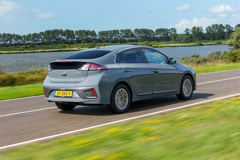 De Hyundai IONIQ Electric rijdt met een kilowattuur elektriciteit verder dan al zijn concurrenten.