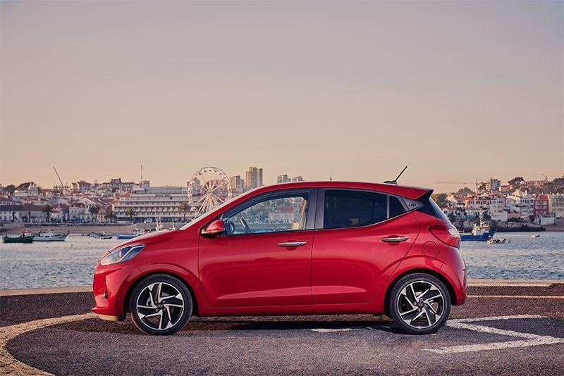 De nieuwe Hyundai i10 is verkrijgbaar met keuze uit drie uitvoeringsniveaus: i-Drive, Comfort en Premium.
