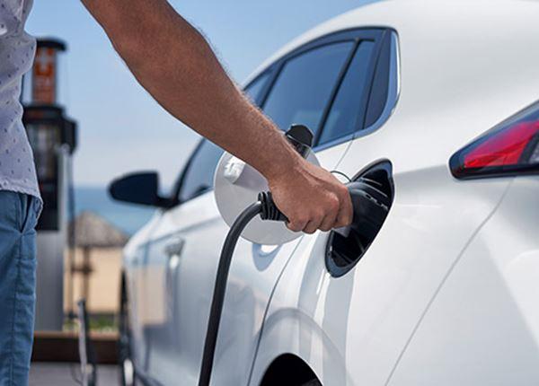 Studie: elektrische auto's zijn écht veel groener dan benzine- en dieselauto's