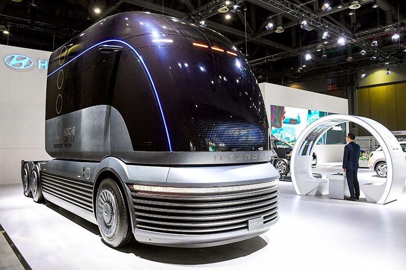 De HDC-6 NEPTUNE is een studiemodel van Hyundai van een waterstof-elektrisch aangedreven vrachtwagen.