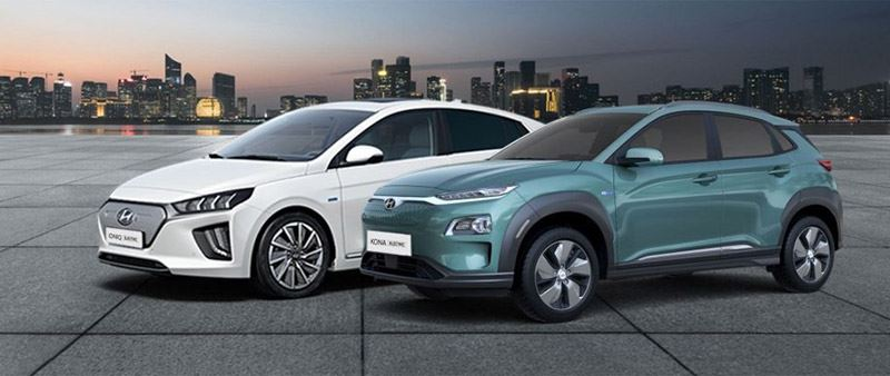 De Hyundai IONIQ Electric (links) en KONA Electric.