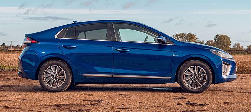 Emissievrije modellen als de KONA Electric en IONIQ Electric (zie foto) hebben van Hyundai marktleider in groene mobiliteit gemaakt.