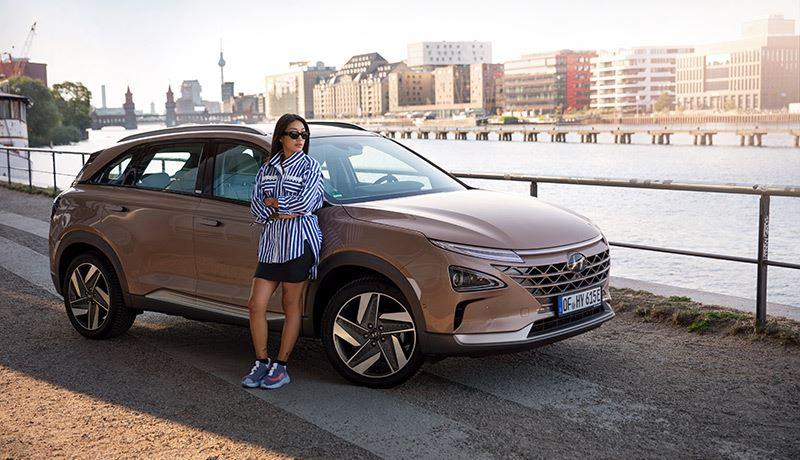 De wereldberoemde deejay Peggy Gou is een van de vier ambassadeurs van Hyundai in de campagne 'Hydrogen to You' (H2U).
