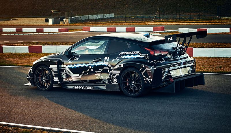 De Hyundai RM20e is een prototype van een raceauto met midscheeps geplaatste elektromotor.