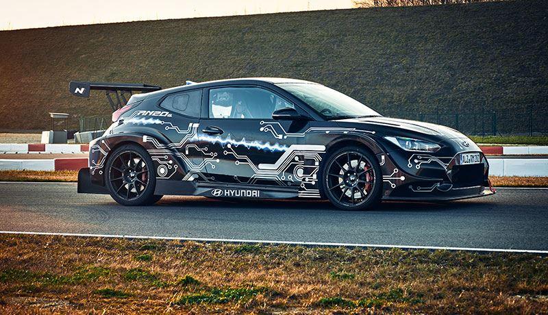 De Hyundai RM20e biedt de prestaties van een raceauto, maar is ook geschikt voor de openbare weg.