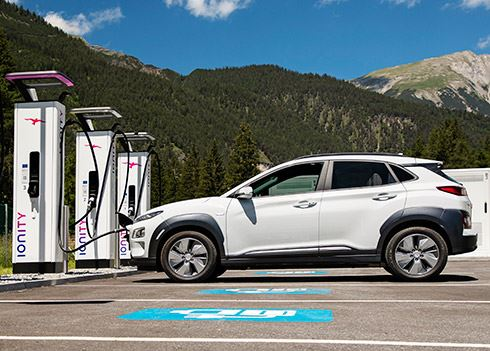 Hyundai sluit zich aan bij snellaadaanbieder IONITY