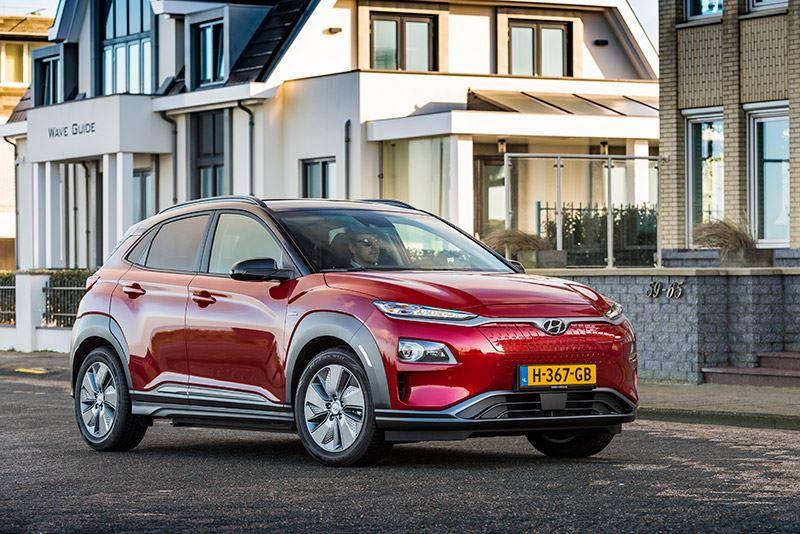 'Wanneer je een elektrische auto onder de 50.000 euro zoekt, kom je sowieso uit bij de Hyundai KONA Electric', aldus Autoverhaal.nl.