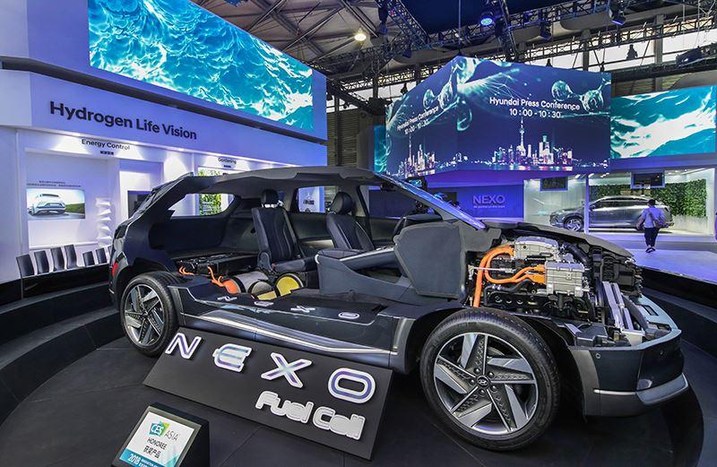 De Hyundai NEXO stoot hij geen schadelijke stoffen uit en tanken duurt slechts 5 minuten.